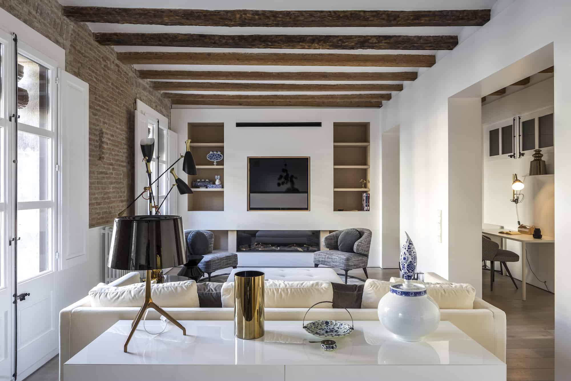 barcelona apartment with Minotti furniture