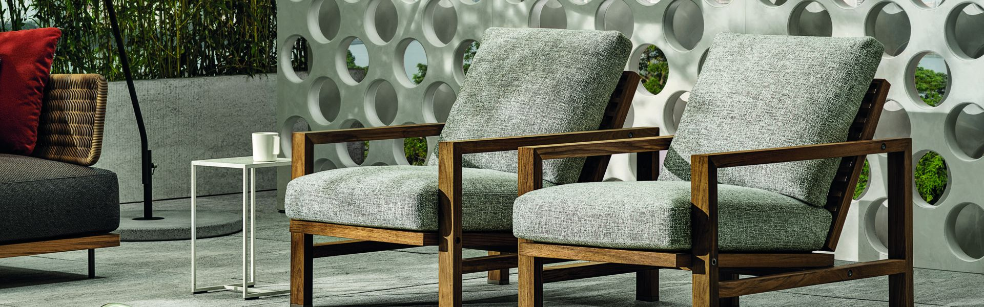 Quadrado Outdoor Armchair